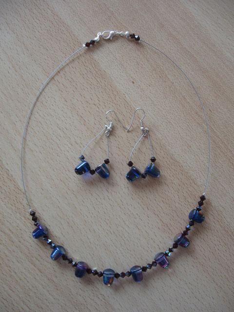 Modèle 26 : parure : longueur du collier : 46 cm : 10 euros.