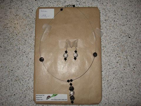 Modèle 12 : parure shamballa : longueur du collier 46 cm, toupies swarowski : 15 euros.