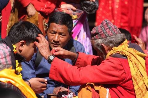 Segnung im Dakshin Kali