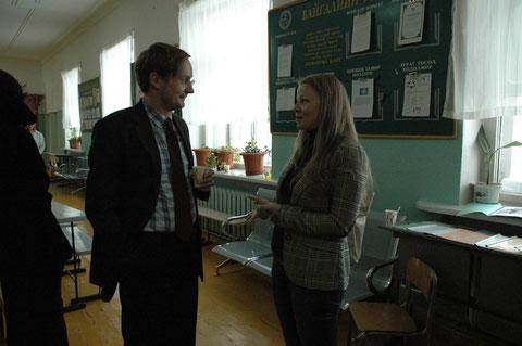 Thomas Dippe im Gespraech mit Frau Dr. Noetzold