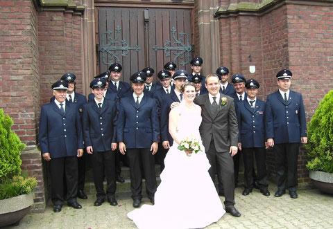Löschgruppe Merbeck mit Brautpaar