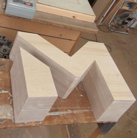 Buchstabe in Birke Multiplex groß