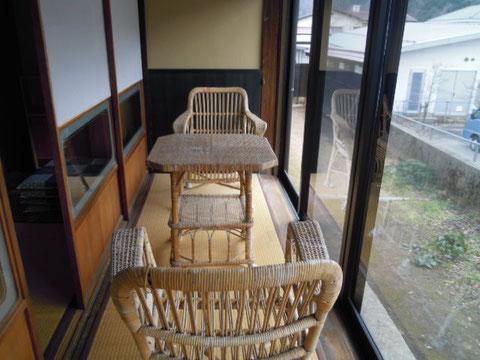 憲吉が愛用した籐椅子
