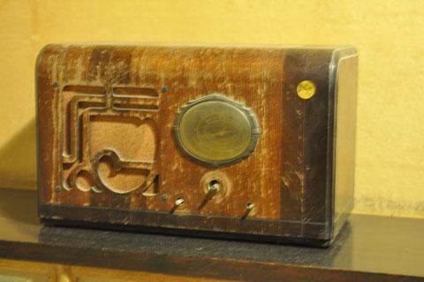 書斎のラジオ