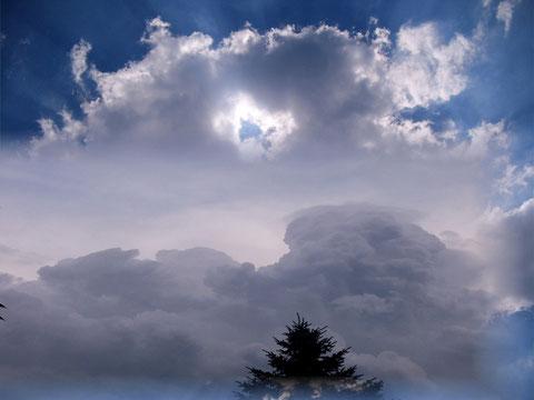 Wolkenspiel am Südlichen Himmel