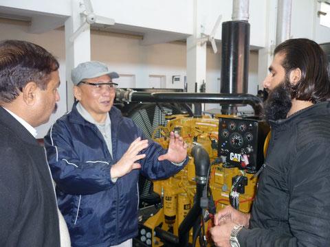 キャタピラー社、エンジンのシュミレータの説明と電子制御の説明(場所:CTTI実習場)