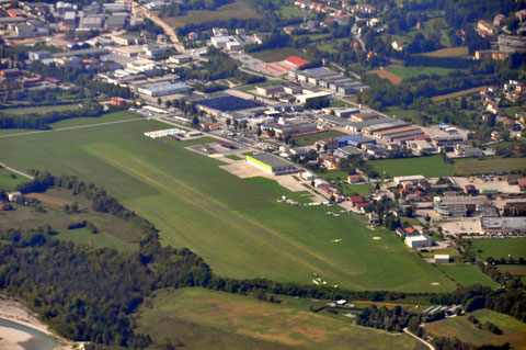 Flugplatz Belluno - LIDB Aeroporto Belluno - Info:119.65 MHz Piste:05/23 800x40 46° 10' 00'' - 12° 14' 53''