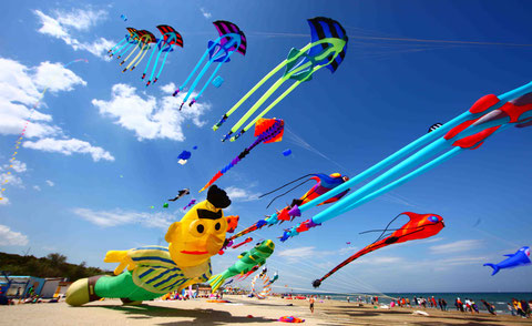 """Castiglione del lago """"coloriamo i cieli"""""""
