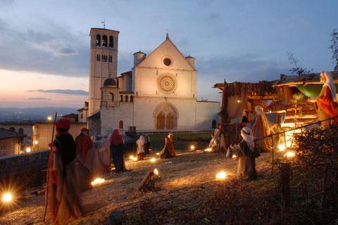 Assisi: il presepe su piazza San Francesco