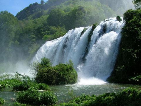 Водопад Каската-делле-Марморе