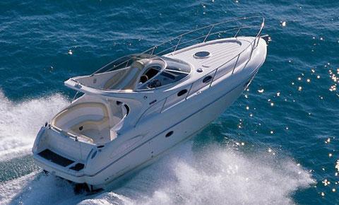 lake trasimeno by luxury motorboat