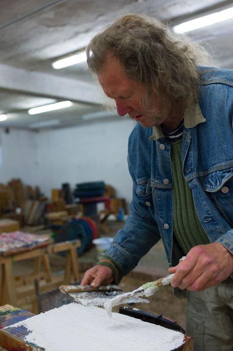 Klaus Berschens in seiner Werkstatt