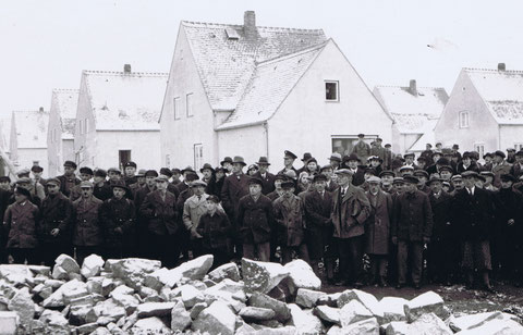 """Meilenstein: Grundsteinlegung der """"Wichmann-Siedlung"""" 1936 im sächsichen Bautzen."""