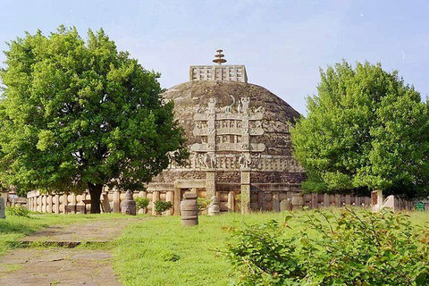 Stupa at Sanchi...For more information, please click this picture.