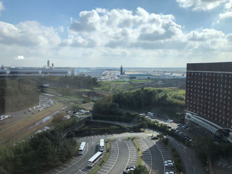 From the top floor restaurant (13F) to view Narita International Airport.