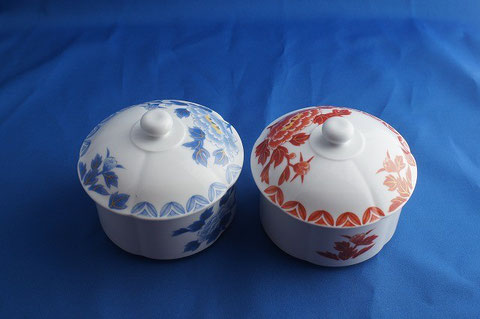 #37 Imari porcelain (Used but like NEW) (A pair of Arita Bowl with lid)