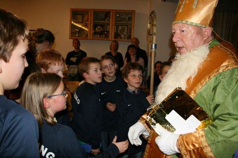 Weihnachtsfeier 2012 - Besuch vom Nikolaus