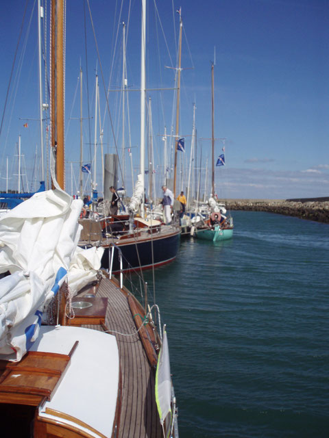 La flotte des Classiques attends le départ des courses à Port Haliguen