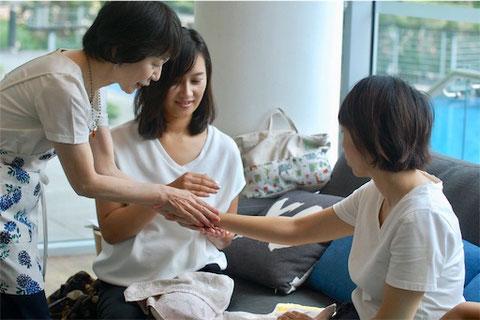 札幌でハンドケアを教えます。ハンドトリートメントを教えます。あとりえ柚子香