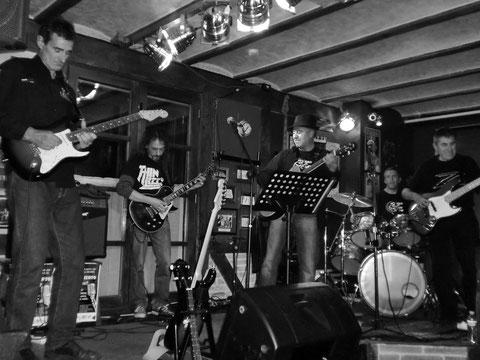 Rojillos Blues Band en el ONKI-XIN