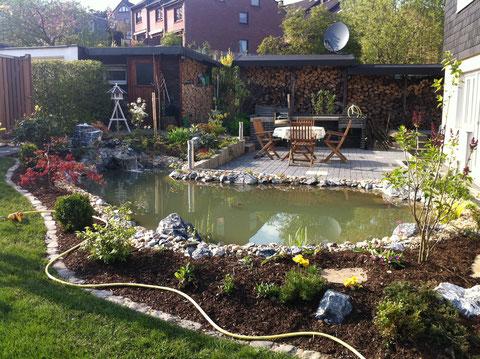 GFK Teich Gartenteich Wasser im Garten