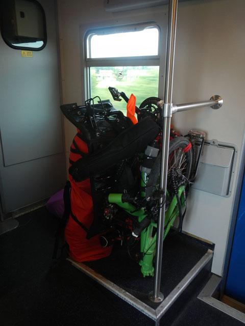 Trike e bagagli in treno