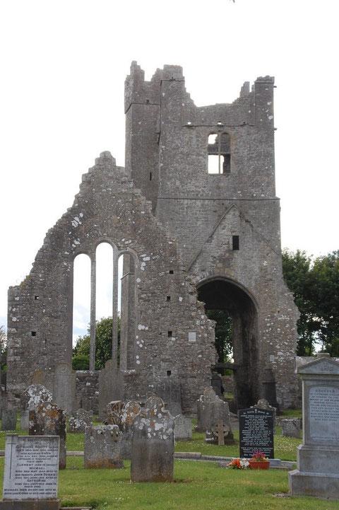 """""""Hochkreuz"""" und die Ruinen der Augustinerabtei """"ST. MARY`S Abbey"""""""