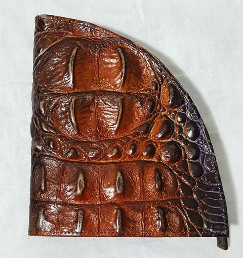 Designer Geldbörse von déqua, Rindsleder in Krokoprägung - LIMITED EDITION -  tolle Farbe: cognac mit Verlauf zu lila und grün
