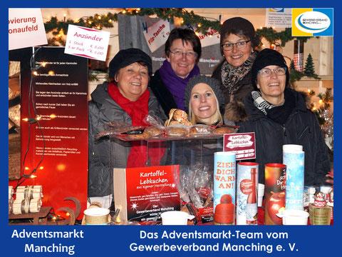 Das Adventsmarkt-Team vom Gewerbeverband Manching - Klick zum Vergrößern