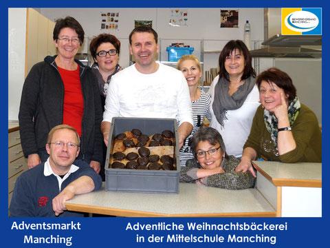Adventliche Weihnachtsbäckerei in der Mittelschule Manching - Klick zum Vergrößern