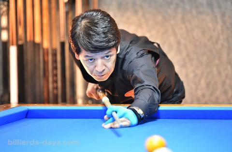 Tatsuo Arai won Pro 3-cushion Tournament in GLANZ, Tokyo