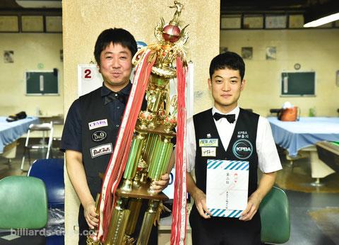 2018年の名人戦A級戦ファイナリスト。勝利した喜島安広(左)は名人位に返り咲いた。2位の林武志(右)は今年もA級戦に登場