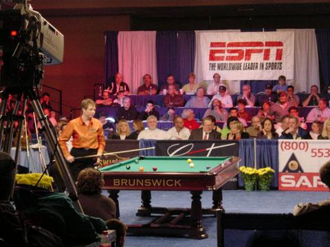 2001年のプロアリーナ最終日。WPBAツアー(女子プロツアー)の重要な大会としてエキスポが位置付けられ、多数の女子プロが集まった。ESPNの録画が入るほどの人気でギャラリーも多かった。プレーするのはヘレナ・ソーンフェルト(2019年逝去)