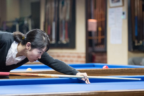 Orie Hida won 28th Ladies 3-cushion Torunament in Tokyo. Photo : Carom Seminar