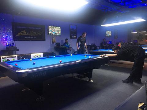 会場のニュージーランド『Pool & Blues』