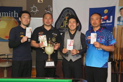 GPW-3上位入賞者。左2が優勝の杉原匡