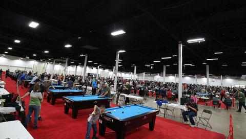 アマチュアトーナメント。テーブルは100数十台(2018年)