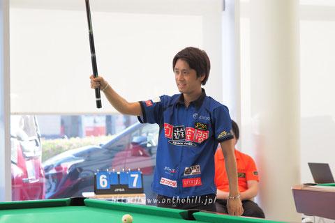 Hayato Hijikata     Photo :  On the hill !