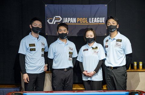 WARRIORS。左から、西尾祐、稲見厚史、栗林美幸、栗林達 ©2021 JAPAN POOL LEAGUE