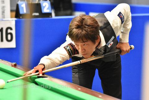 Satoshi Kawabata ※2017全日本選手権にて(この時のキューはMUGEN)
