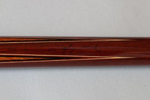 「Ω Ugly Stick」とサインがあるオメガ/dpk。ハギの高さがそろっていない、いわゆるB級品で、通常はサインがないところ、わざわざサインを入れてB級品であることを明示している
