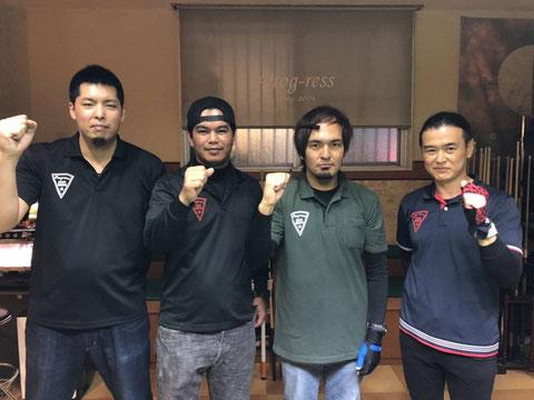 準優勝のプログレス(愛知) 左から:福山義信、西平マルロン、郡一夫、榊原順司