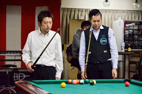 ファイナルのバンキング。杉山進也(左)vs小川徳郎