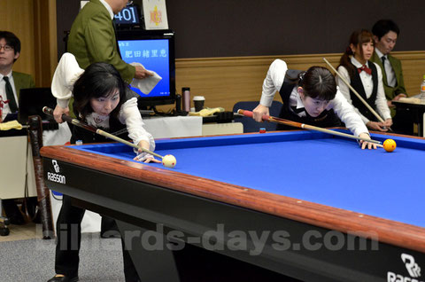 2014 Ladies 3-cushion All Japan Championship,  Winner : Yuko Nishimoto (left)