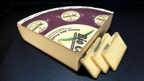 Comté mûr Bio AOP lait cru, 10 à 12 mois d'affinage, vente fromage ferme de la mare, fromagerie, lamballe côtes d'armor, bretagne