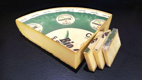 Comté jeune bio AOC, lait cru, 5 à 8 mois d'affinage, vente fromage ferme de la mare, fromagerie, lamballe côtes d'armor, bretagne