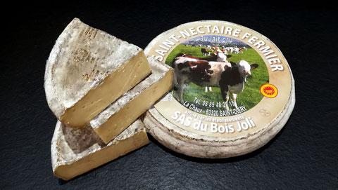 Saint Nectaire fermier AOP  agriculture durable, lait cru, minimum 4 semaines d'affinage, vente fromage ferme de la mare, fromagerie, lamballe côtes d'armor, bretagne