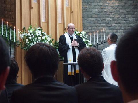 教会で 神聖な誓いの時がありました^^  あったか社長が登場しただけで 笑いが! さすがです!