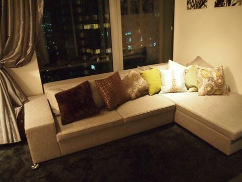 タイム&スタイルでオーダーしたスペシャルなソファー。ちえこ夫人も好みだそうです。