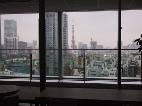 ここから見る、夜の東京タワーもとてもきれいです